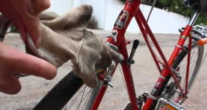 Embedded thumbnail for How to Fix Old School Mafac Brake Squeal on a Peugot