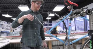 Embedded thumbnail for How to Install Fenders on a Bike