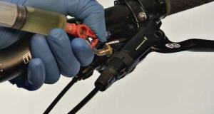 Embedded thumbnail for How to Bleed Avid Hydraulic Brakes