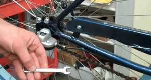 Embedded thumbnail for How to Adjust a Shimano Nexus Internal 3 Speed Hub