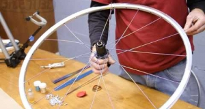 Embedded thumbnail for Lacing a Rear 32 Spoke Wheel | How to Build a Bicycle Wheel