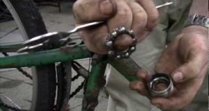 Embedded thumbnail for How to Overhaul Your Bottom Bracket