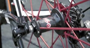 Embedded thumbnail for Fulcrum Racing Zero Clincher Road Bicycle Wheelset Review